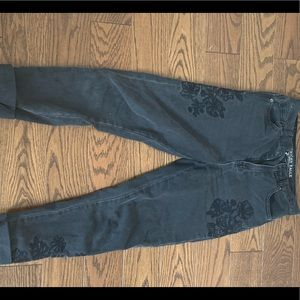 American Eagle Flower Mom Jeans